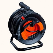 Portable power cord reel U16-03 with remote outlet without cable heat shield